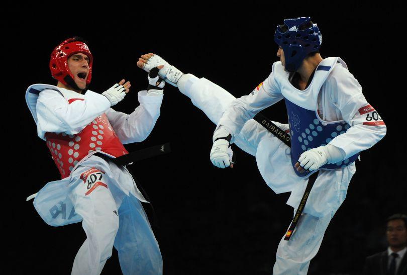 Sebastian Eduardo Crismanich (L) z Argentyny wygrał kategorię do 80 kg (fot. Getty Images)