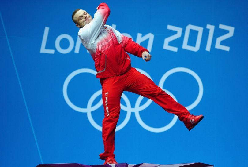 Adrian Zieliński nie krył na podium ogromnej radości (fot. Getty Images)