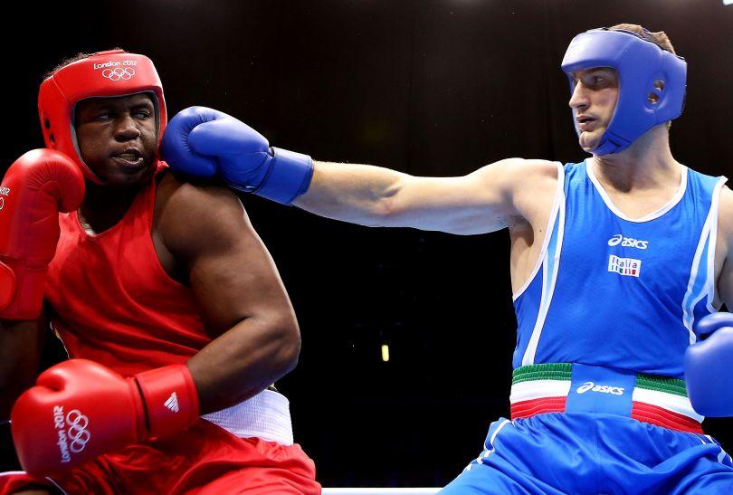 Ekwadorczyka Ytalo Perea nie miał szans w pierwszej rundzie turnieju olimpijskiego z Cammarelle  (fot. Getty Images)