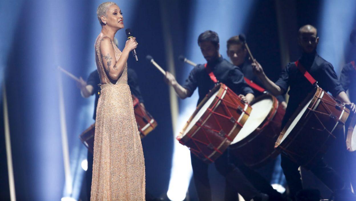 """Wielka Brytania należy do tzw. Wielkiej Piątki. Dlatego też SuRie nie musiała walczyć o miejsce w finale. Czy utwór """"Storm"""" podbił serca widzów? (fot. Andreas Putting/eurovision.tv)"""