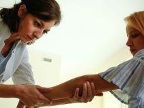 Oboje przyjmują z ulgą diagnozę pani doktor (fot. TVP)