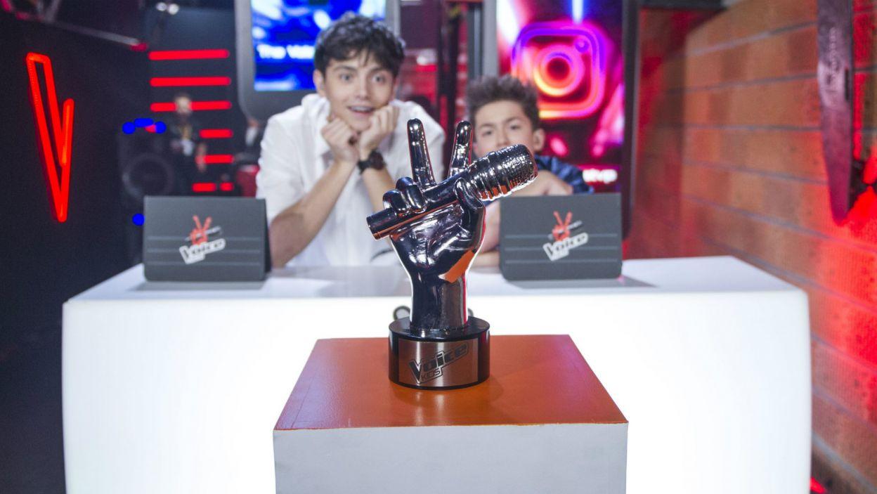 """Ania, Wiktoria czy Paweł? Dla kogo statuetka za wygraną w drugiej edycji """"The Voice Kids""""? (fot. J. Bogacz/TVP)"""