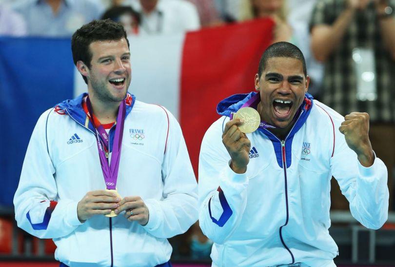 Zasłużona radość reprezentacji Francji po turnieju w Londynie (fot. Getty Images)