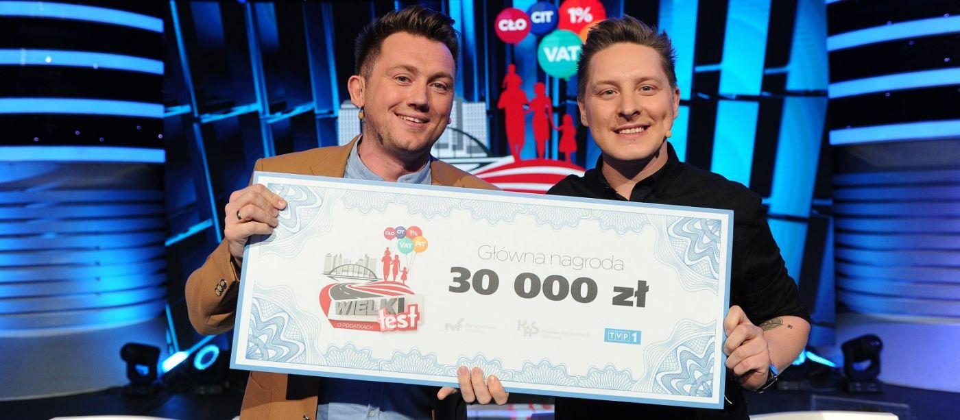 """Antek Smykiewicz i Adam Giza zwycięzcami """"Wielkiego Testu o Podatkach"""""""