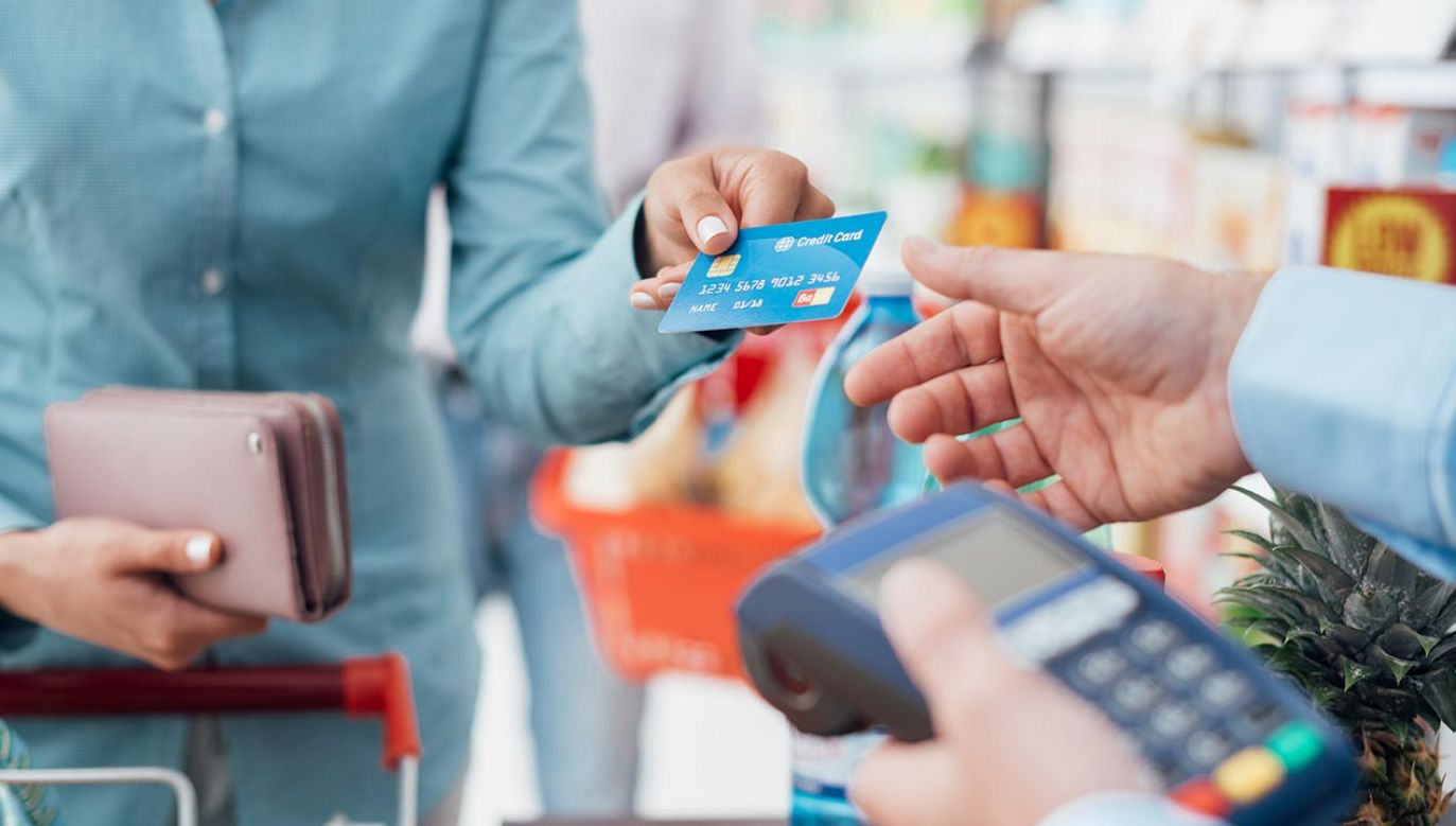 """""""Dobre praktyki"""" określają, w jaki sposób różni uczestnicy rynku mogą wspierać obywateli i przedsiębiorstwa w czasie kryzysu (fot. Shutterstock/Stokkete)"""
