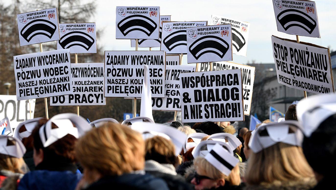 Obecnie w większości podmiotów leczniczych w Polsce brak jest procedur regulujących postępowanie w przypadku agresywnych zachowań (fot. arch. PAP/Darek Delmanowicz)