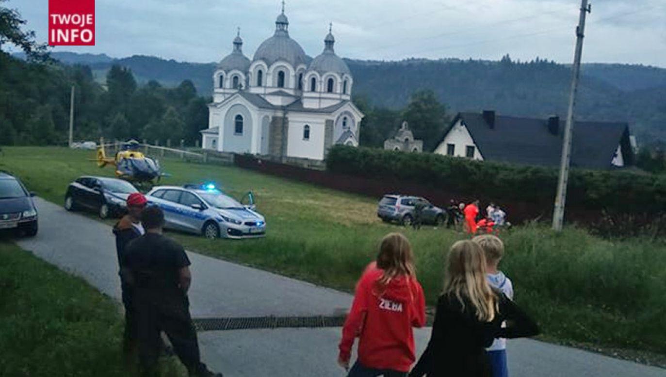 Ranny został przetransportowany śmigłowcem LPR do Krakowa (fot. Twoje Info)