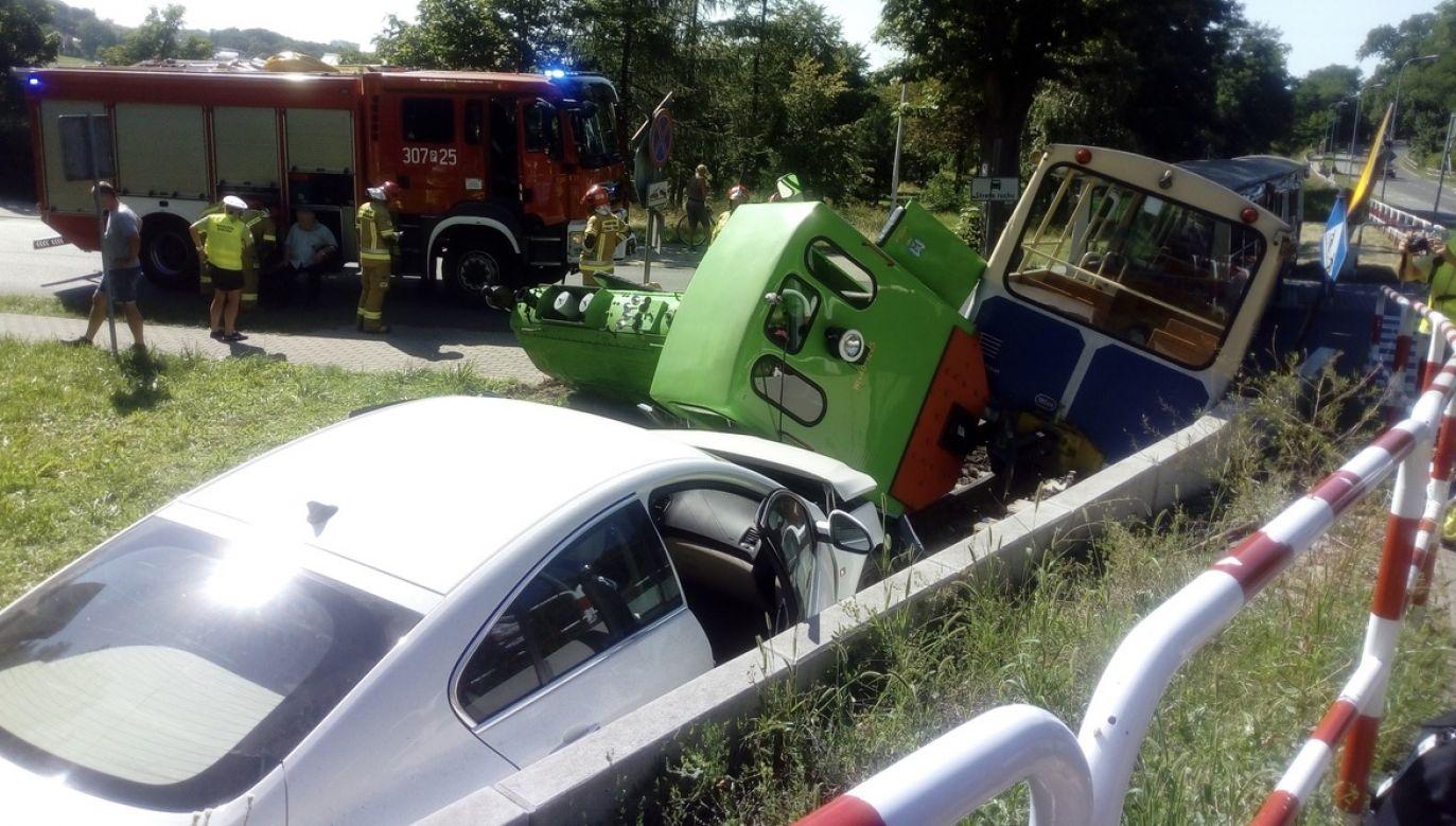 Zdjęcie z wypadku otrzymaliśmy na platformę Twoje Info (fot. Twoje Info)