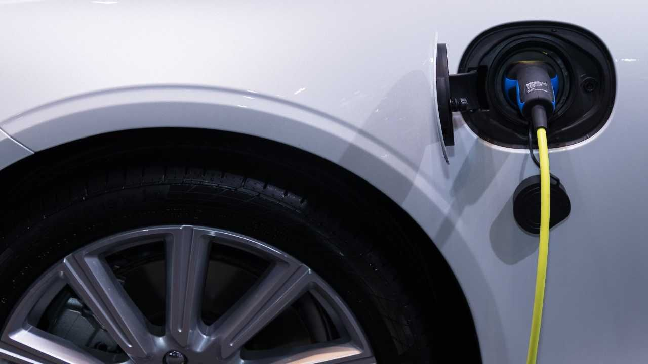 Rząd Quebecu będzie sybsydiował kupno aut elektrycznych (fot. Pexels)