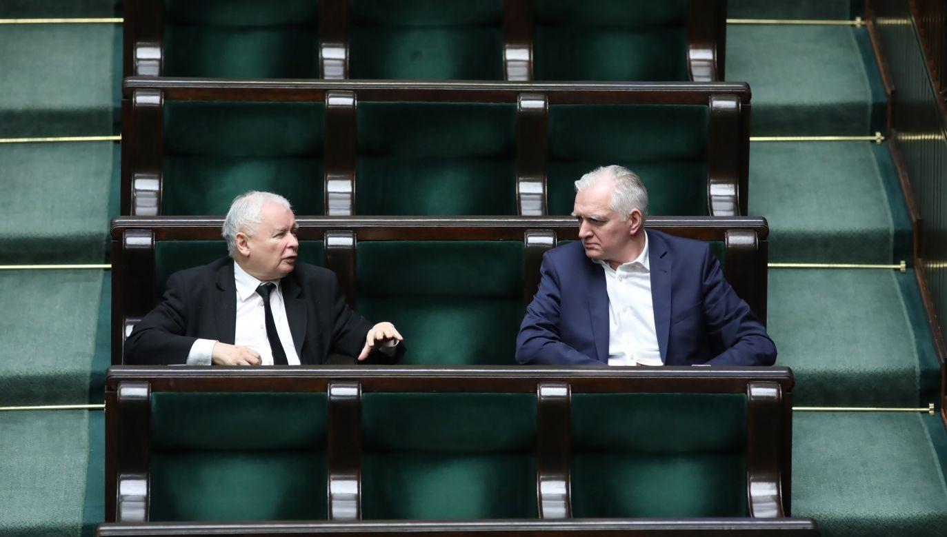 W czwartek wieczorem podczas kilkugodzinnego spotkania kierownictwa PiS, z Jarosławem Gowinem, nie dał się przekonać do nowego pomysłu (fot. PAP/Leszek Szymański)