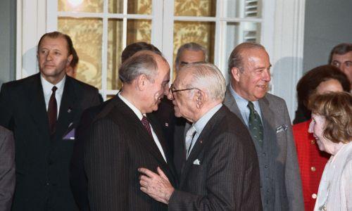 Z Michaiłem Gorbaczowem w 1987 roku. Fot. Getty Images/Bettmann