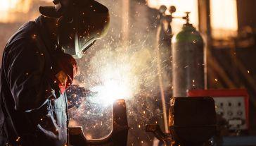 Nowe zamówienia eksportowe rosną po raz pierwszy od lipca 2018 (fot. Shutterstock/SvedOliver)