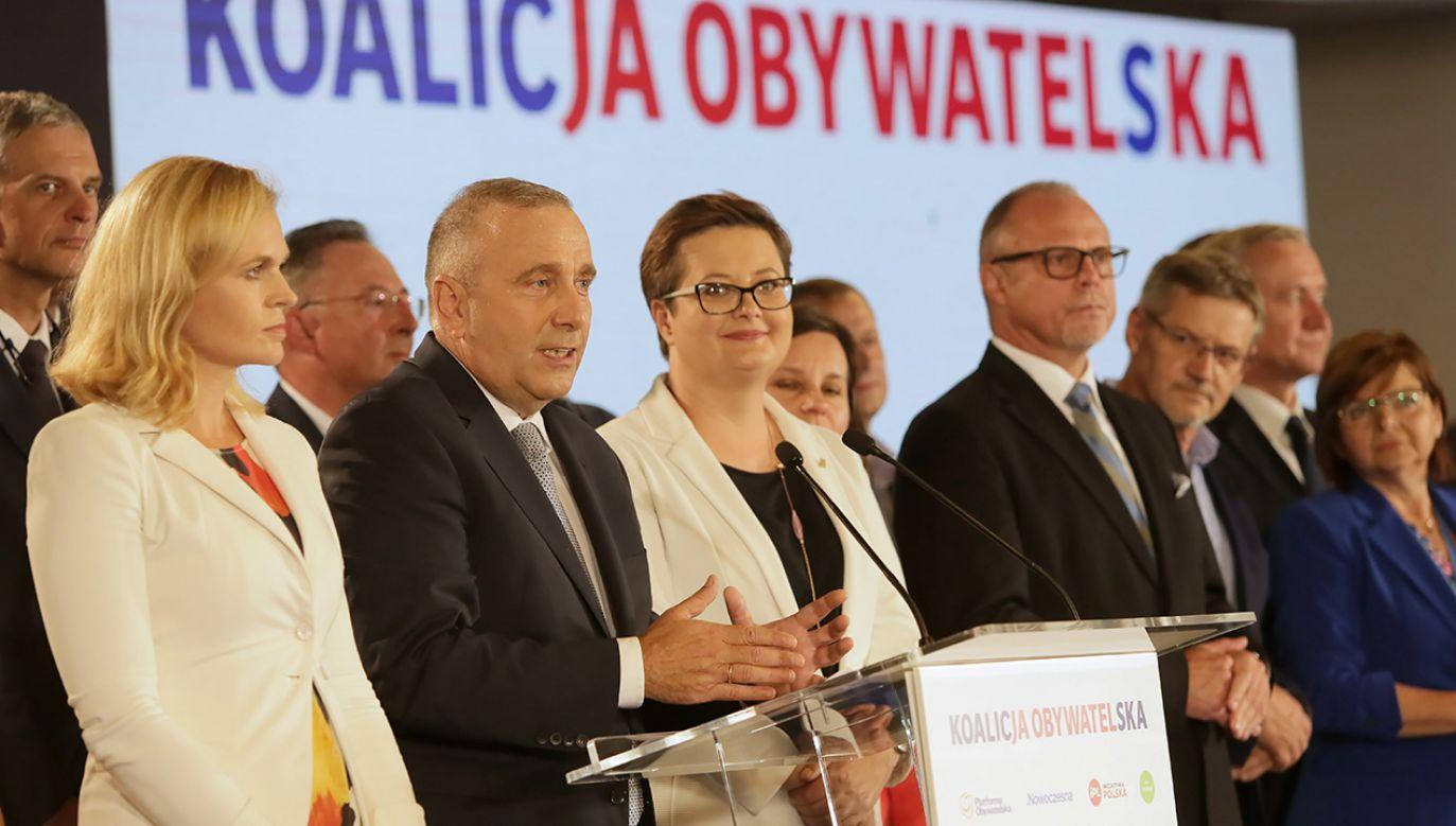 Jesteśmy koalicją, która ma dobry program, z którym pójdziemy do ludzi – zapewniał Grzegorz Schetyna (fot. PAP/Wojciech Olkuśnik)