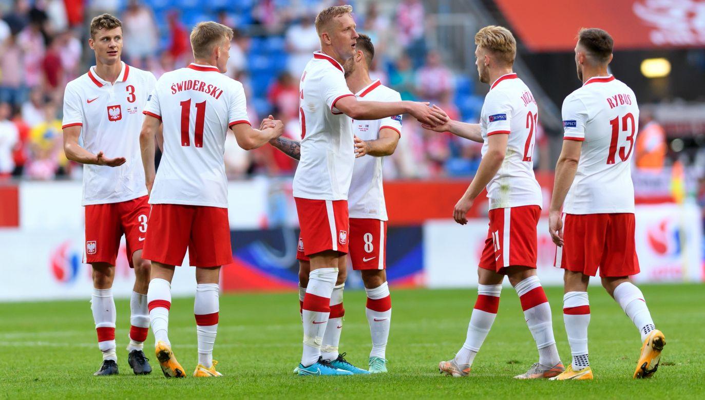 Karol Świderski (2L) equalised the game in the 88th minute. Photo: PAP/Jakub Kaczmarczyk