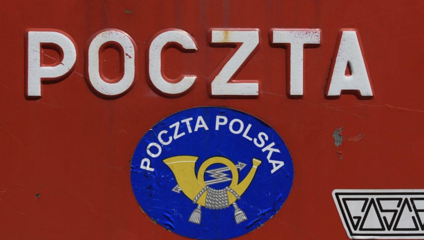 Poczta Polska to jeden z największych pracodawców w Polsce – zatrudnia ponad 80 tysięcy osób (fot. Artur Widak/NurPhoto via Getty Images)
