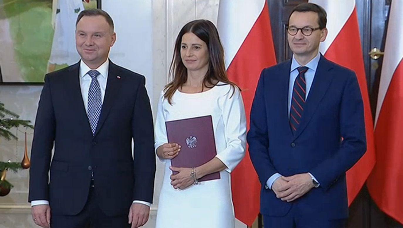 Prezydent Andrzej  Duda (L)  powołał Danutę Dmowską-Andrzejuk C)  na ministra sportu (fot. tvp.info)