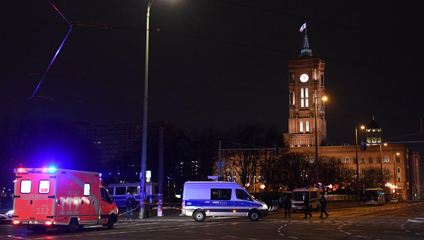 Policja utworzyła w rejonie niewybuchu zamkniętą strefę bezpieczeństwa (fot. REUTERS/Annegret Hilse)