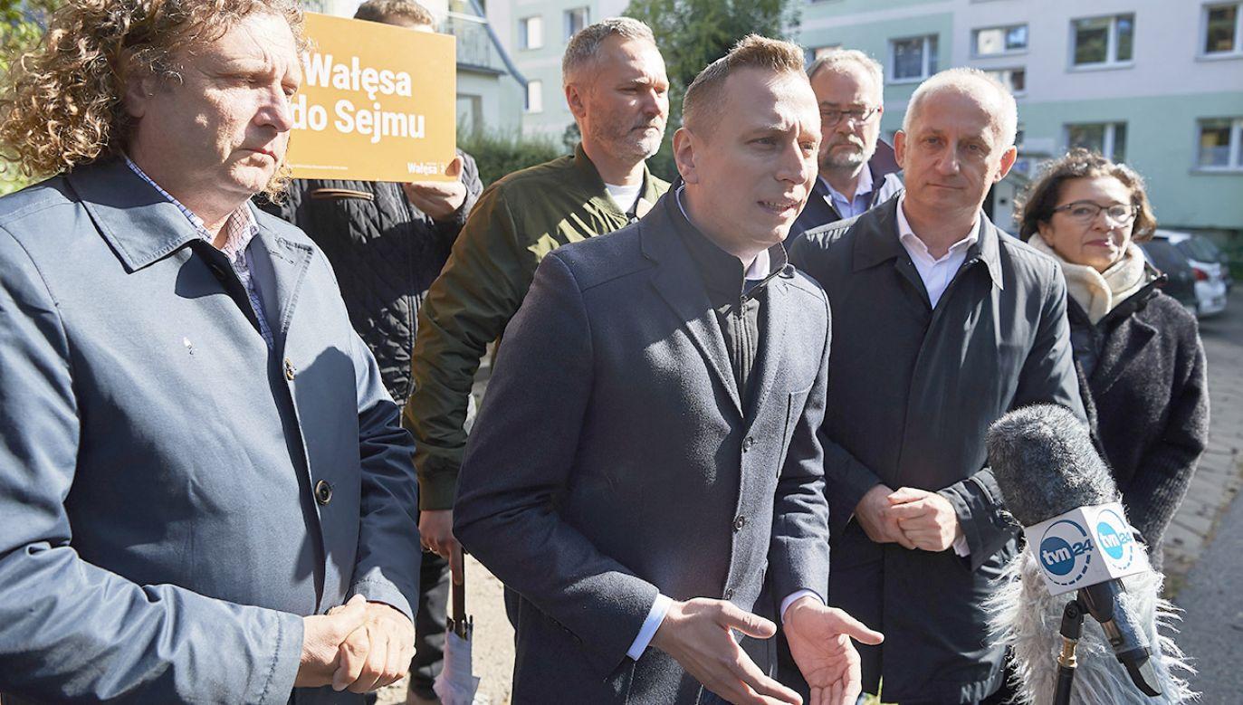 Systemowym hejtem zasłynął ostatnio szef sztabu wyborczego KO Krzysztof Brejza (fot. PAP/Adam Warżawa)