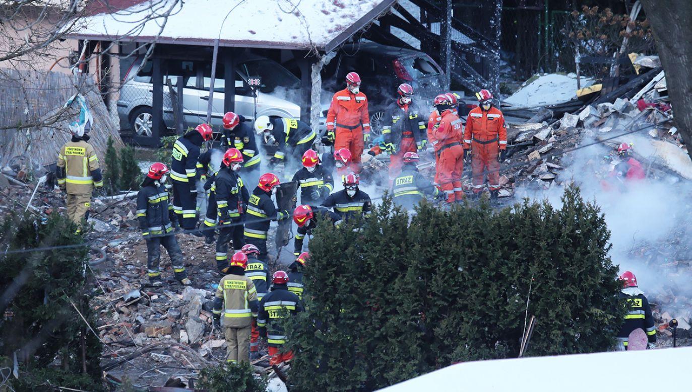 Pod gruzami domu zginęło 8 osób (fot. PAP/Andrzej Grygiel)