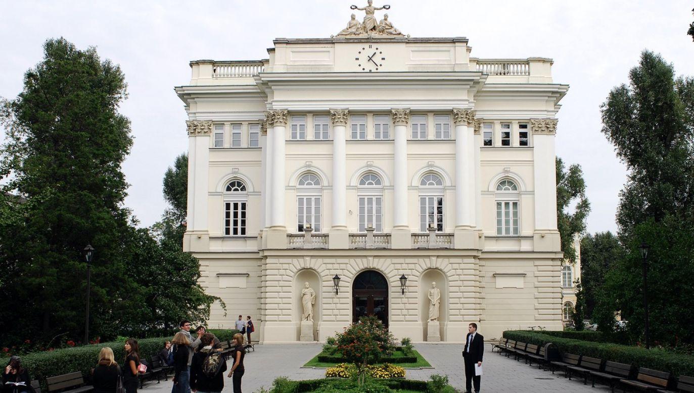 Rada odbędzie się w poniedziałek o 18 (fot. arch.PAP/Tomasz Paczos)