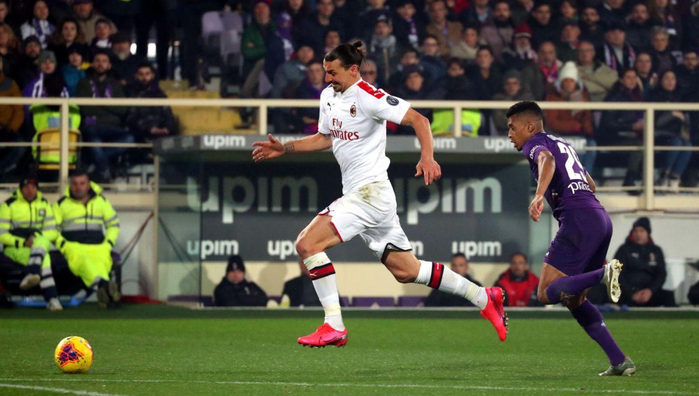 We Włoszech trwa 24. kolejka Serie A; na zdjęciu spotkanie Milan – Fiorentina z 22 lutego (fot. PAP/EPA/CLAUDIO GIOVANNINI Dostawca: PAP/EPA)