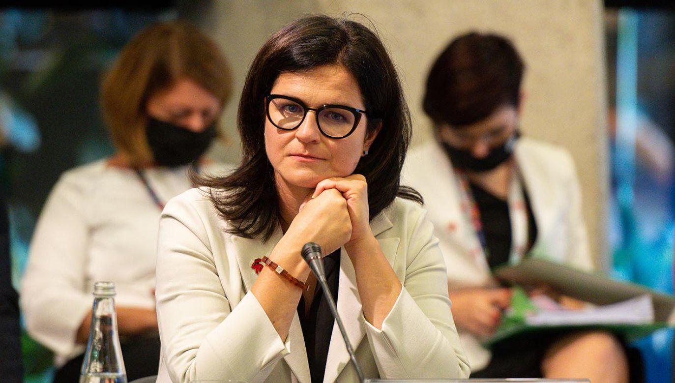 Dulkiewicz zapewniła, że czuje się dobrze (fot. Mateusz Slodkowski/SOPA Images/LightRocket via Getty Images)