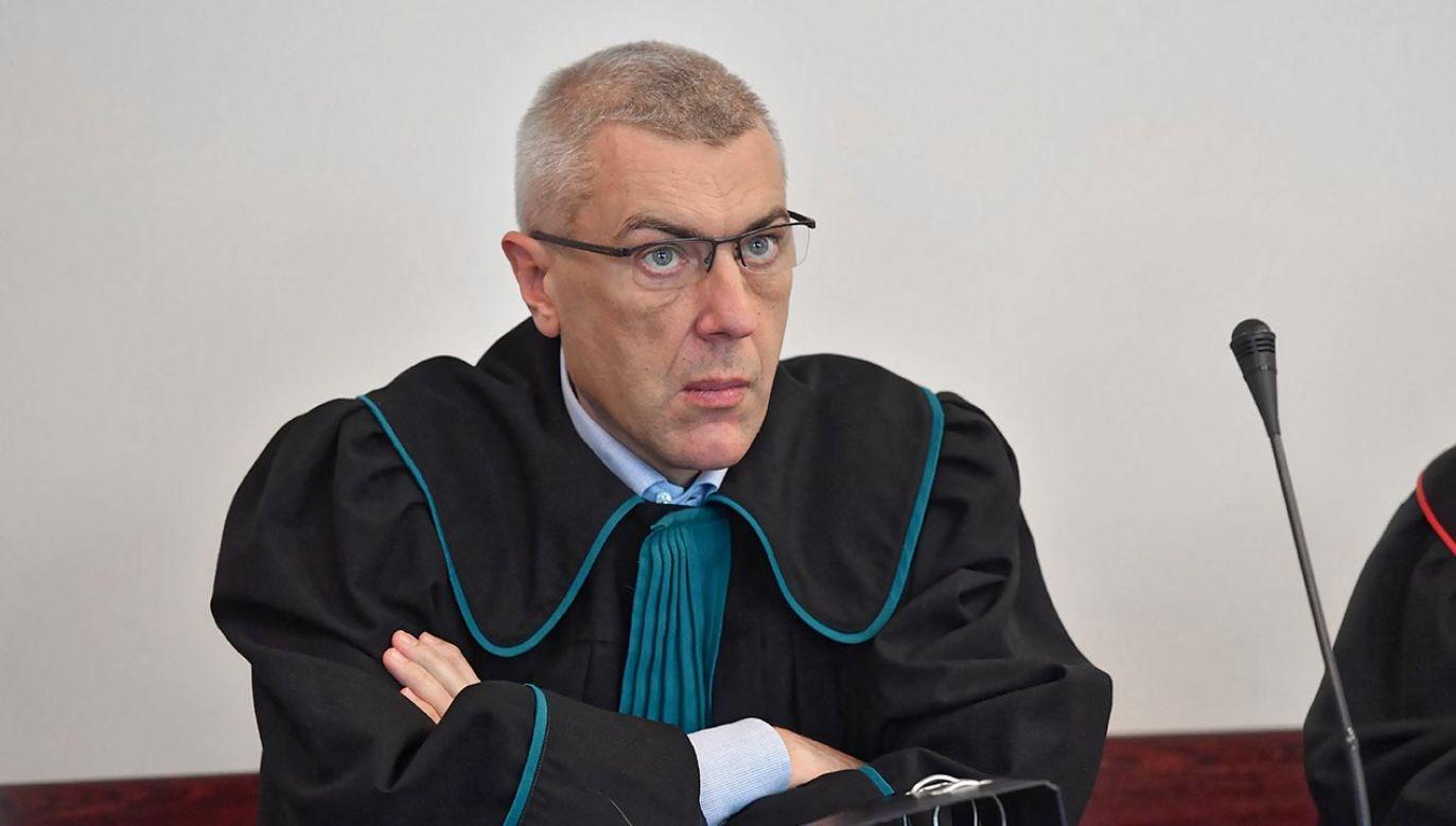 """Roman Giertych zapowiedział, że weźmie udział w """"sprawie Klienta""""  (fot. PAP/Marcin Gadomski)"""