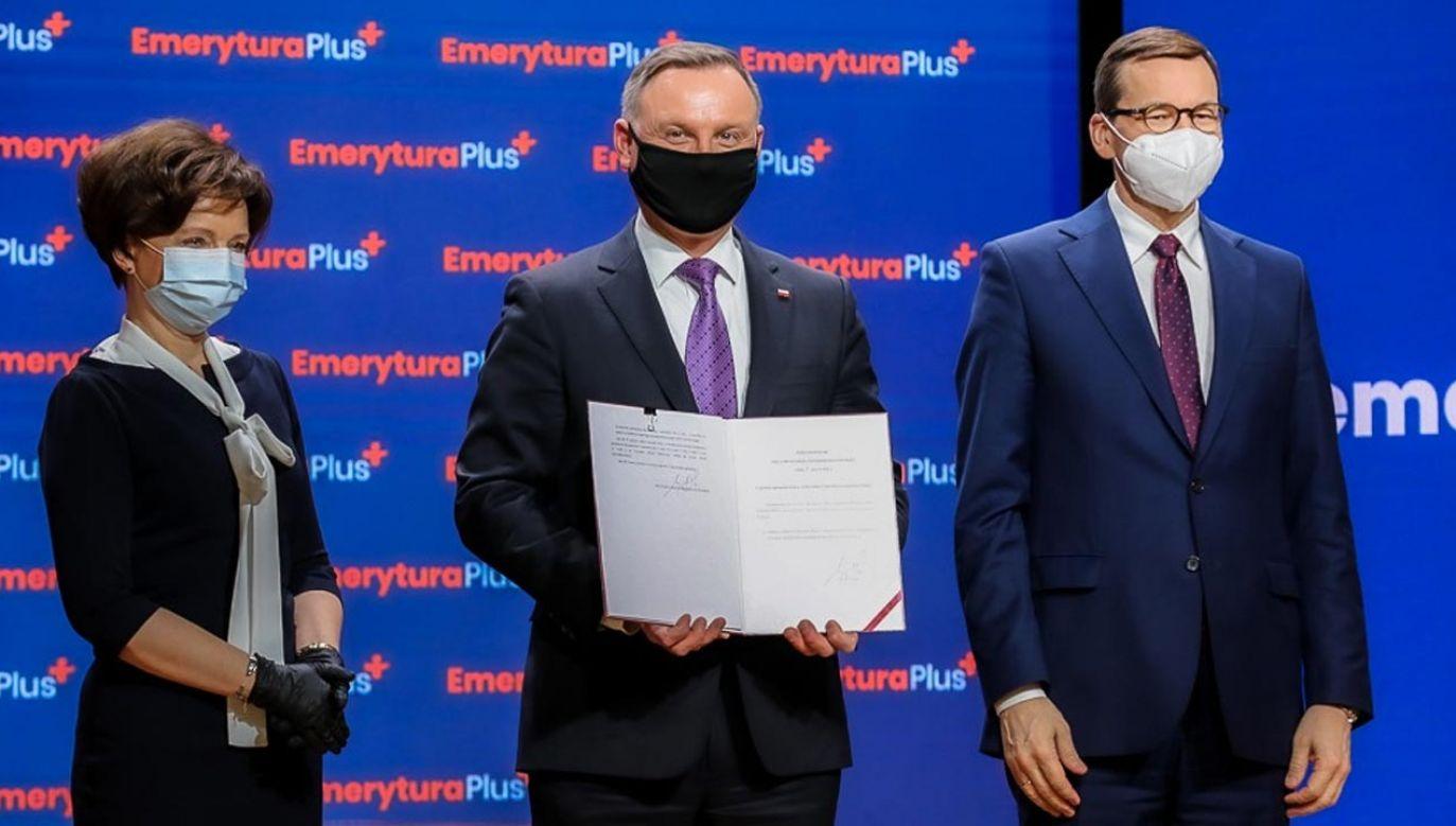"""Prezydent Andrzej Duda podpisał ustawę o tzw. """"czternastkach"""" (fot. Krystian Maj/KPRM)"""