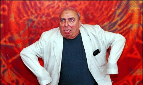 """Claude Chabrol, francuski reżyser, scenarzysta, producent i aktor filmowy, jeden ze współtwórców francuskiej nowej fali. W 2000 r. twórca filmu """"Gorzka czekolada"""". Wenecja, 3 września 2010 r. Fot. Eric VANDEVILLE / Gamma-Rapho via Getty Images"""
