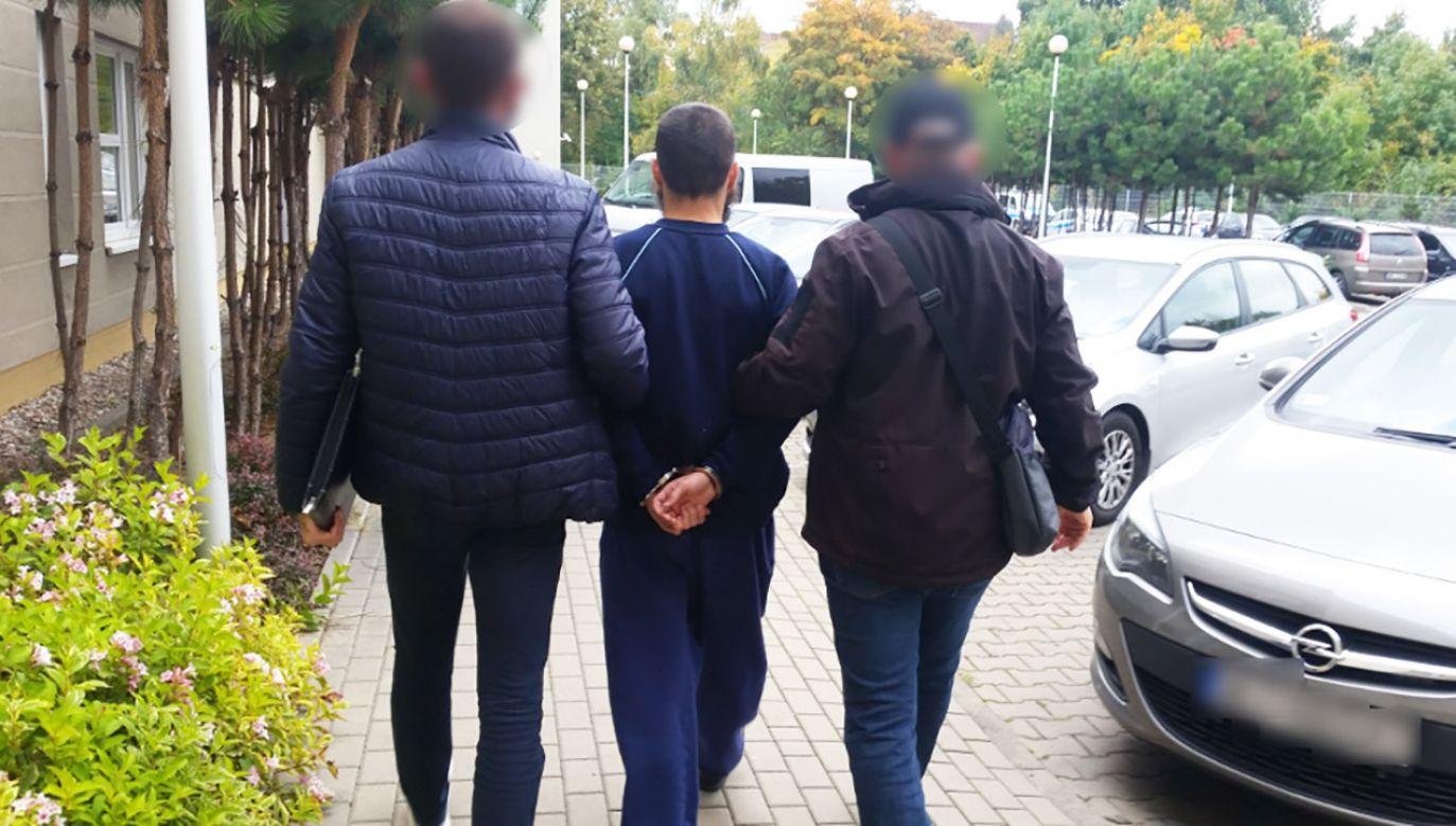 Policjanci z warszawskiego Targówka zatrzymali 25-letniego obywatela Rosji (fot. KRP Warszawa VI)
