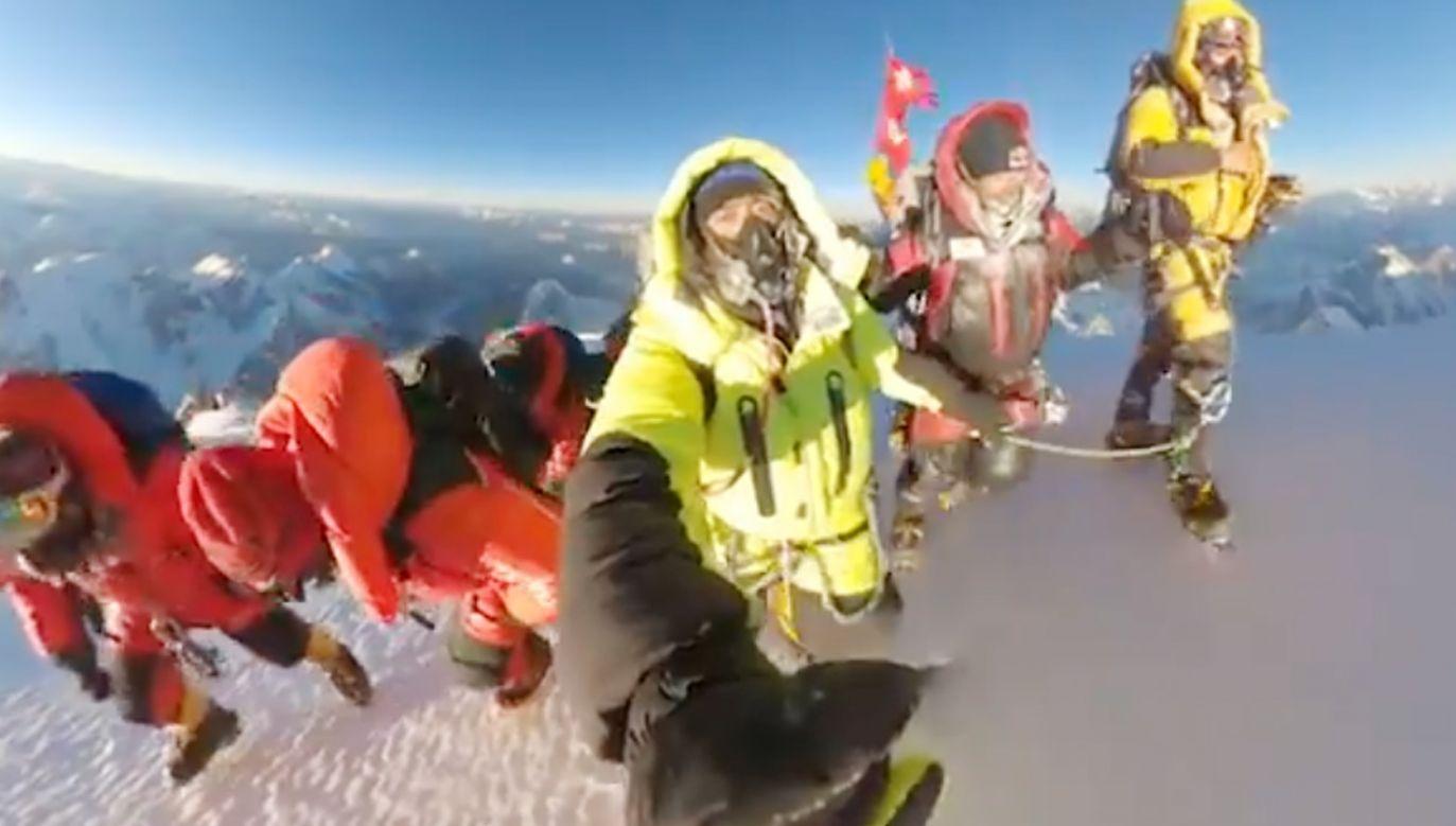 Zimowe zdobycie K2 to wielki sukces Nepalczyków (fot.TT/Nirmal Purja MBE)