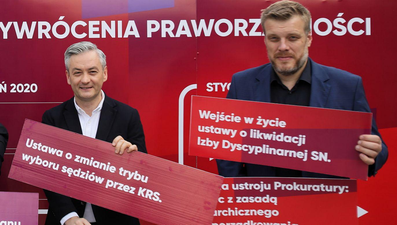 Były premier odniósł się do dawnych wypowiedzi liderów Razem i Wiosny o swojej partii (fot. PAP/Leszek Szymański)