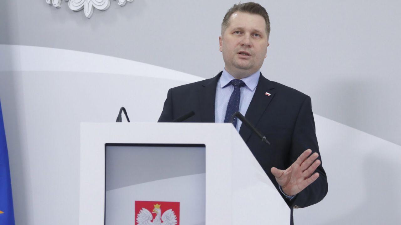 Otyłość wśród dzieci. Przemysław Czarnek: Schudnę w Wielkim Poście. Nie jestem najszczuplejszy - tvp.info