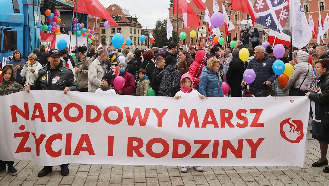 XVI Narodowy Marsz Życia i Rodziny (fot. PAP/Wojciech Olkuśnik)