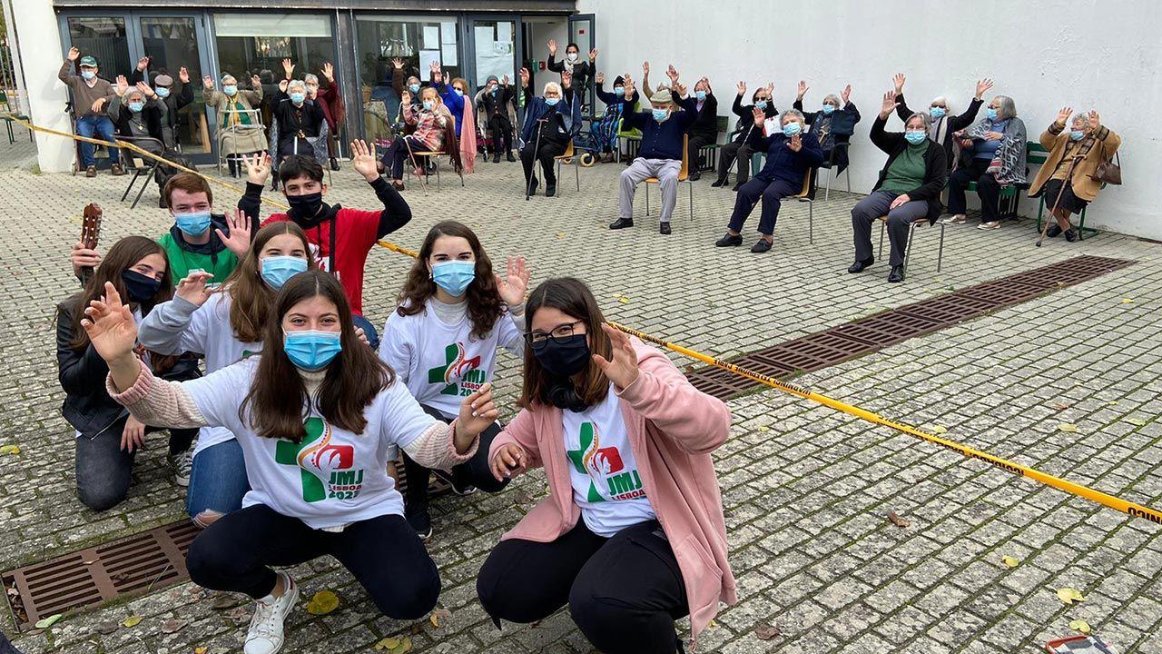 Młodzi Portugalczycy wspierają seniorów w trudnym czasie pandemii (fot. Facebook/Jornada Mundial da Juventude)