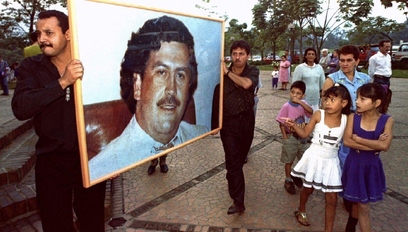 Po śmierci Pablo Escobara Kolumbia odetchnęła. Byli jednak i tacy, którzy płakali za narkotykowym zbrodniarzem (fot. Jose Gomez/REUTERS)