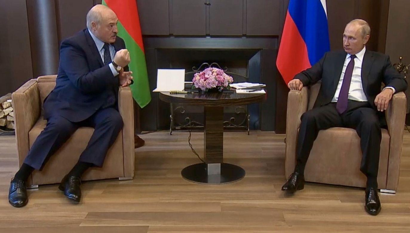 Rosjanie zgadzają się, że należy zintensyfikować dwustronne przedsięwzięcia wojskowe (fot. PAP/EPA/KREMLIN HANDOUT)