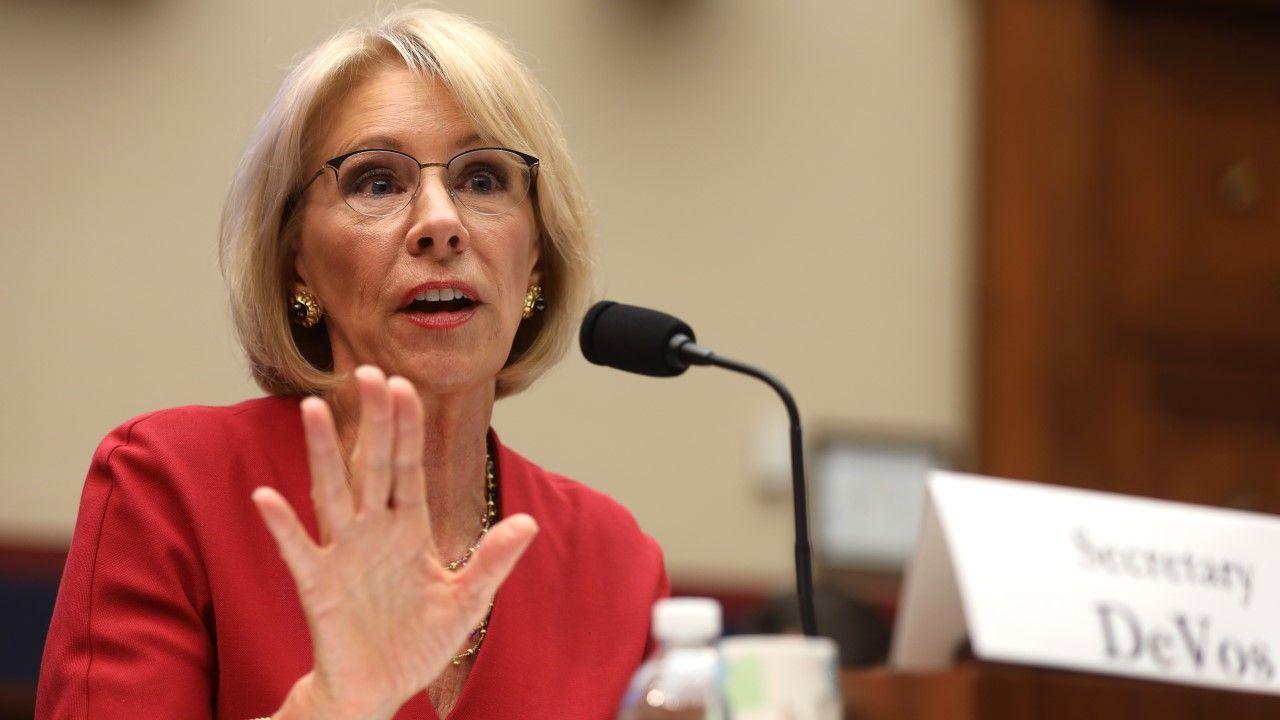 DeVos sprawowała funkcję ministra edukacji od początku kadencji Trumpa (fot. Alex Wong/Getty Images)