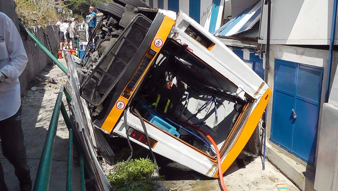 Wypadek na Capri (fot. PAP/EPA/GIUSEPPE CATUOGNO)