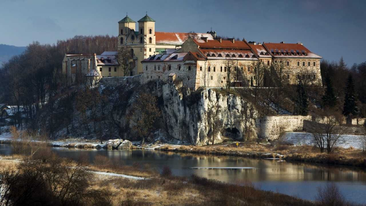 Budynek legł w gruzach w okresie konfederacji barskiej w 1771 roku (fot. Wiki 3.0/Kriksos)