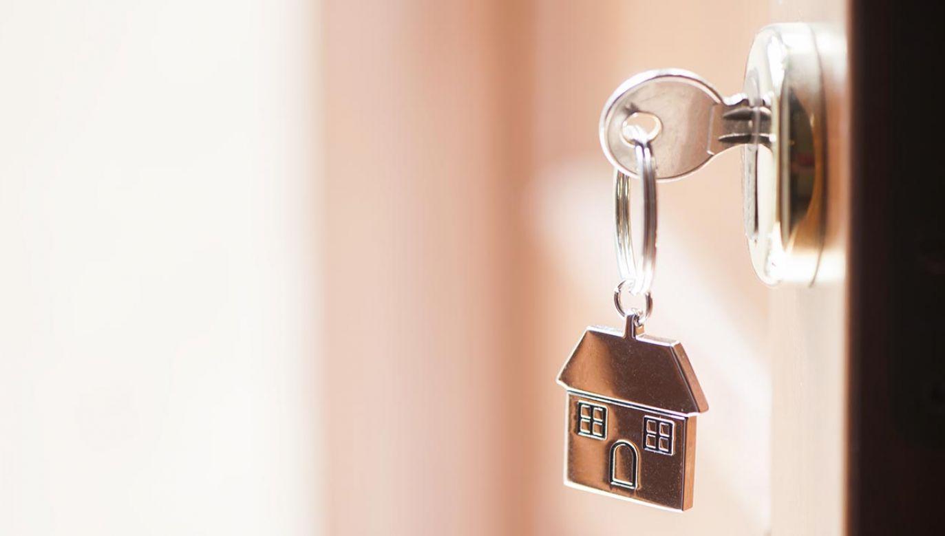 Olbrzymi popyt na mieszkania spowodował, że developerzy dyktują warunki cenowe (fot. Shutterstock/Fabio Balbi)