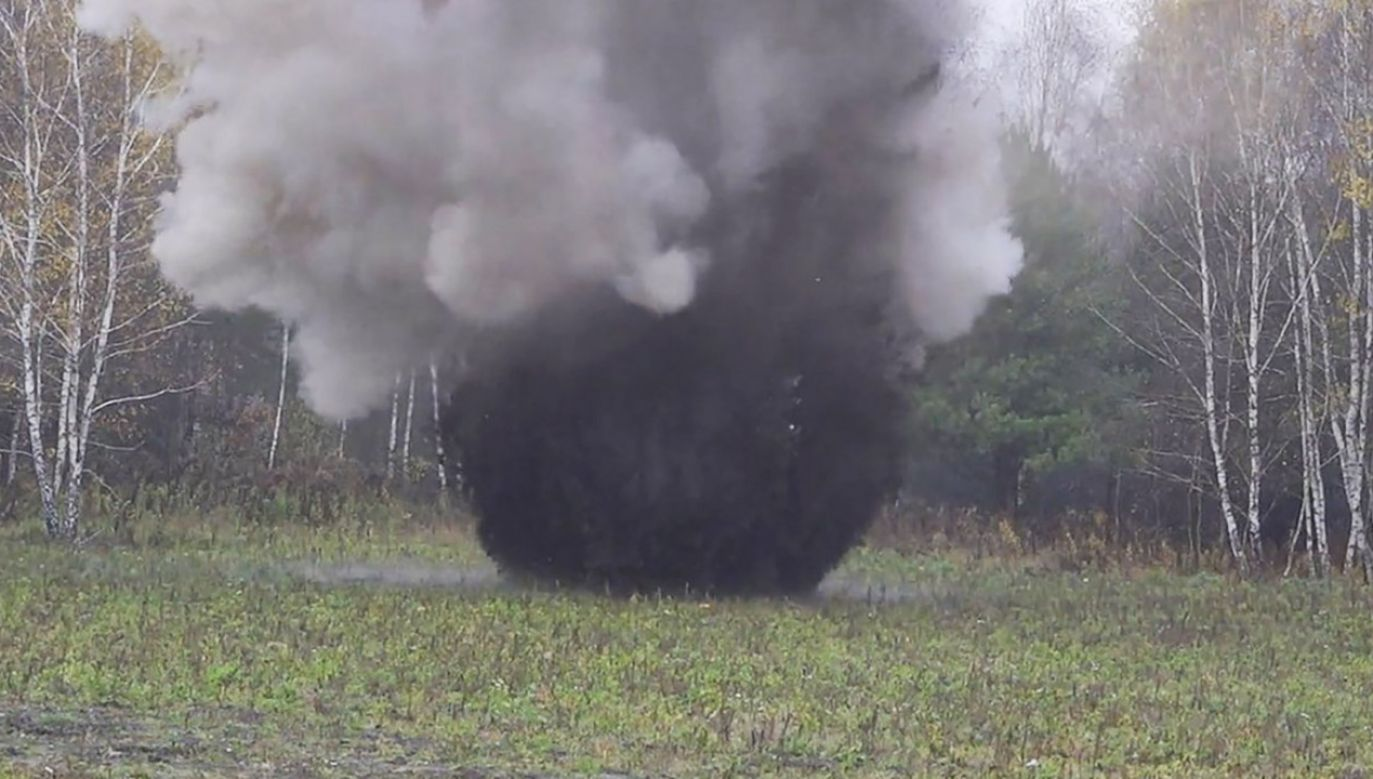 Zabezpieczoną bombę zneutralizowano na poligonie (fot. ABW)
