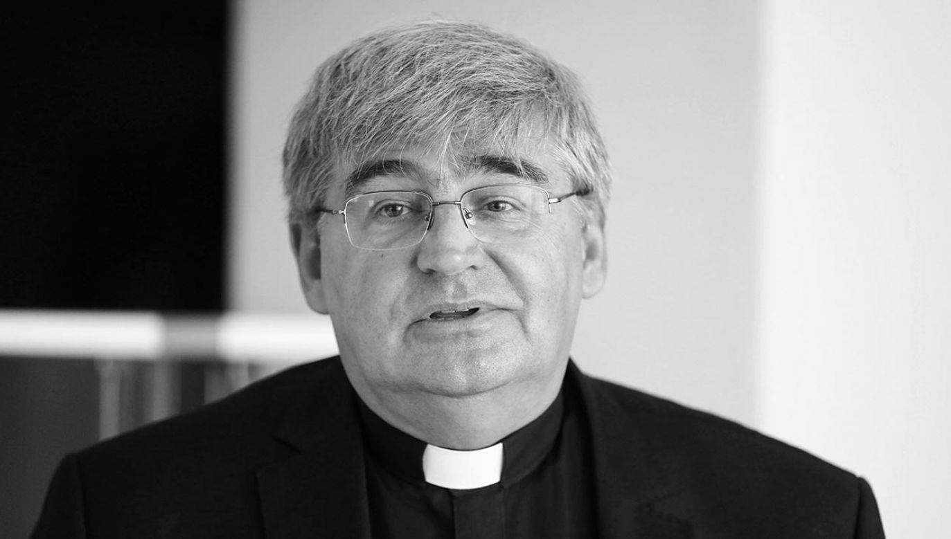 Ks. Mirosław Nowak miał 59 lat (fot. PAP/Rafał Guz)