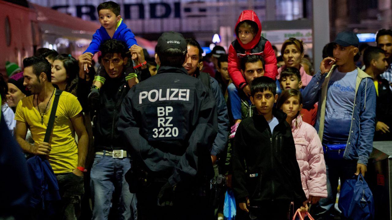 Już 20 tys. uchodźców dotarło do Niemiec (fot. PAP/EPA/SVEN HOPPE)