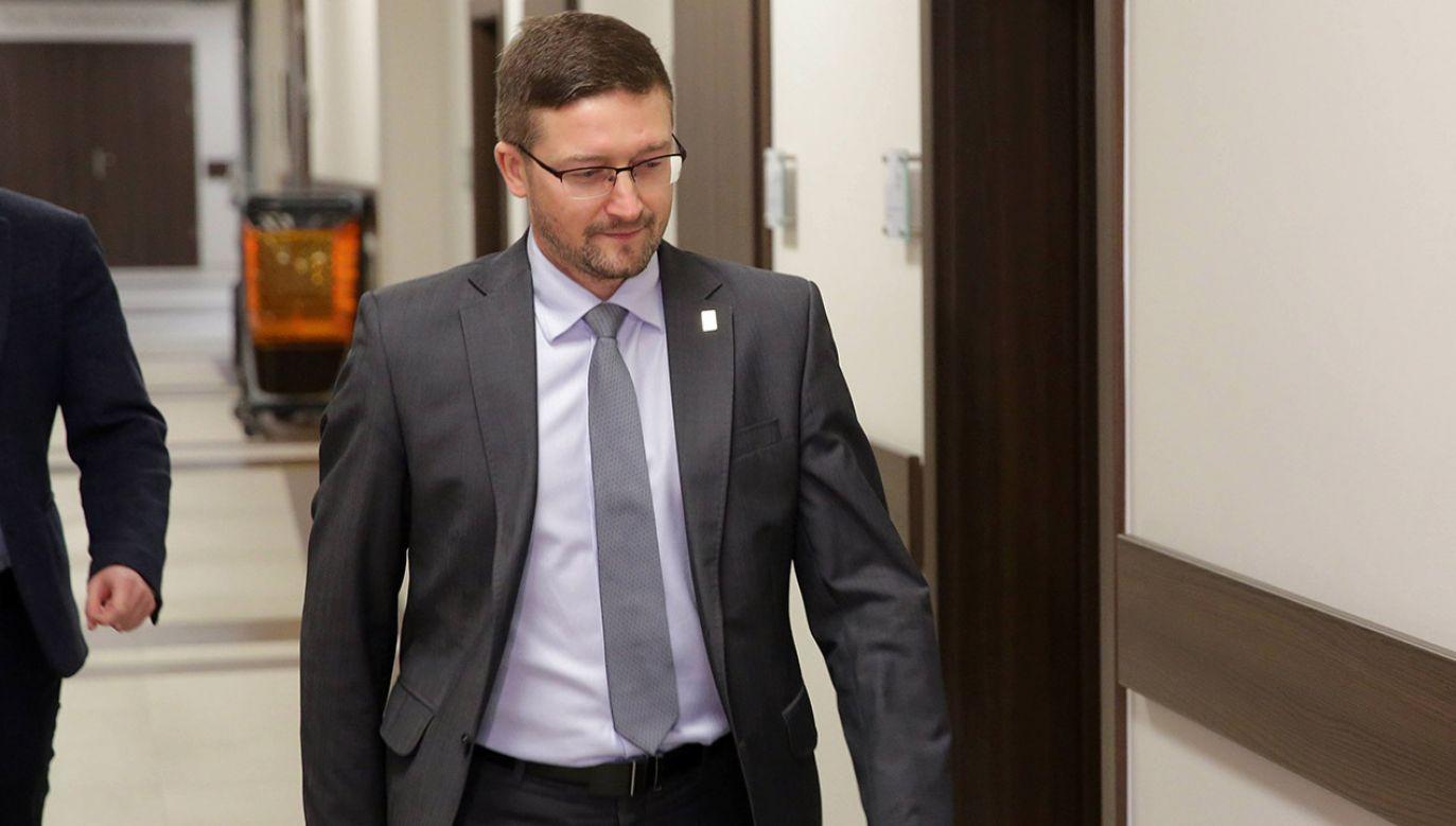 Zdaniem gości TVP Info, sędzia Juszczyszyn jest zaprzeczeniem haseł, które głosi (fot. arch.PAP/Tomasz Waszczuk)