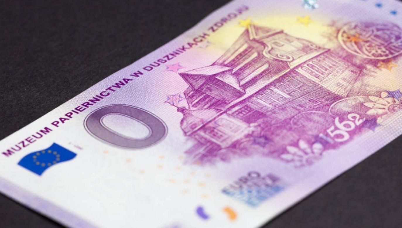 Banknot ma wszystkie zabezpieczenia (fot. Muzeum Papiernictwa)