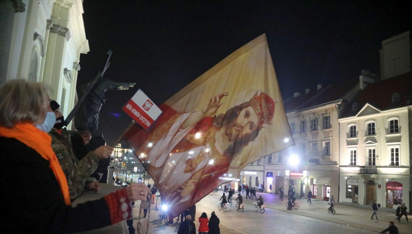 W Polsce kolejny dzień trwają demonstracje przeciw zaostrzeniu prawa aborcyjnego (fot. PAP/Wojciech Olkuśnik)