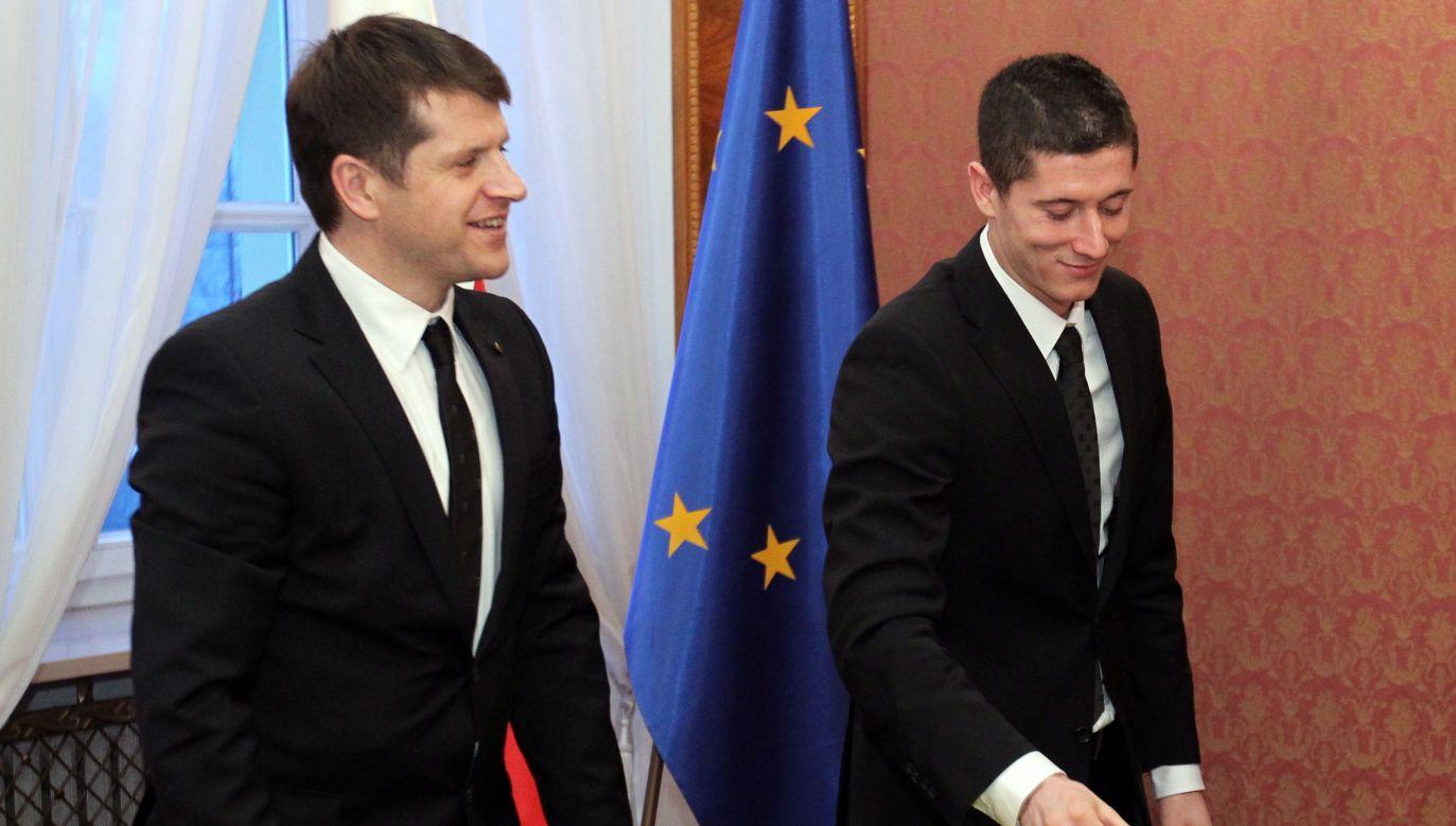 Cezary Kucharski (L) i Robert Lewandowski przez lata stanowili zgrany duet (fot. PAP/Radek Pietruszka)