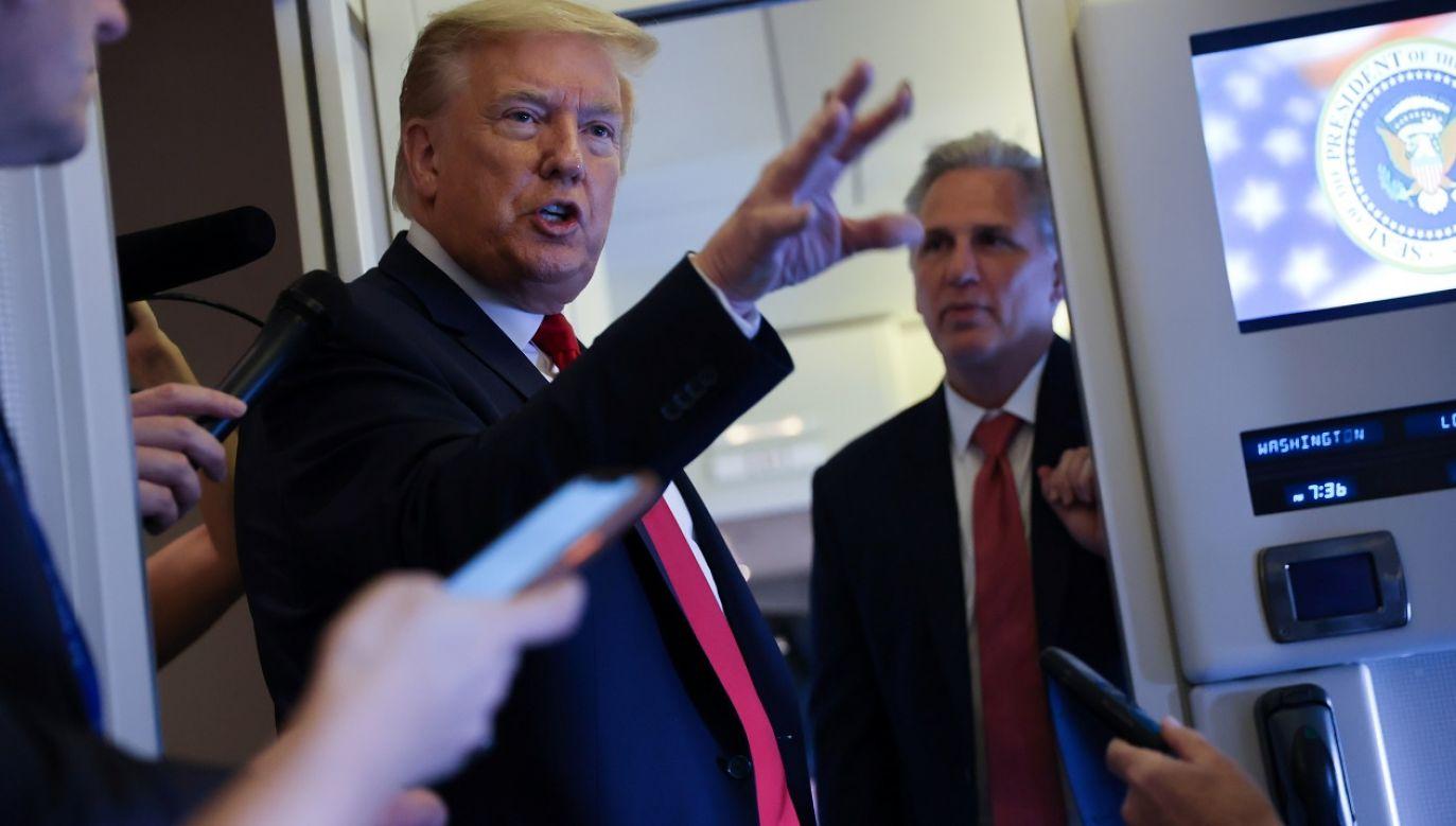 """Podczas lotu z Cape Canaveral Trump powiedział dziennikarzom, że G7 w obecnym formacie to """"bardzo nieaktualna grupa"""" (fot. Reuters/Jonathan Ernst)"""