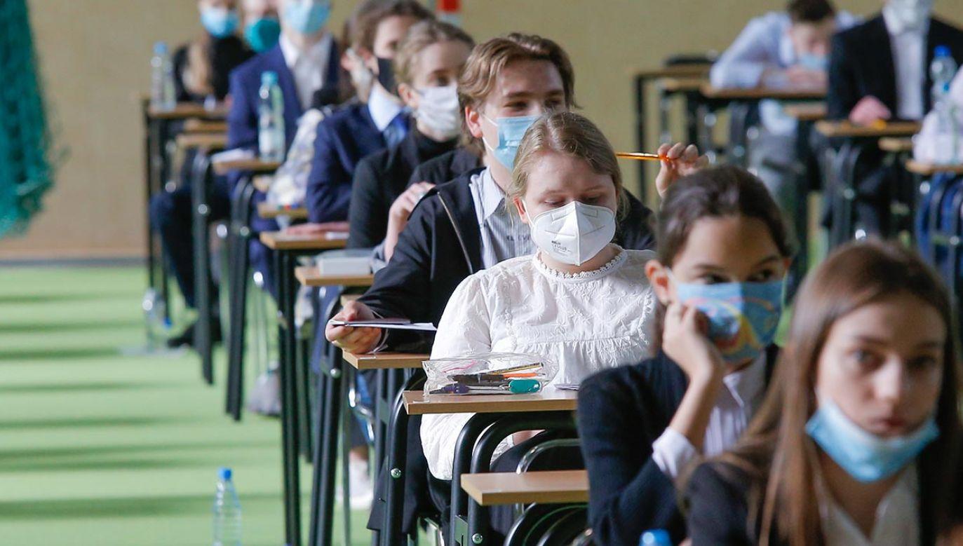 Pisemny egzamin z matematyki jest obowiązkowy (fot. Forum/Krzysztof Zatycki)
